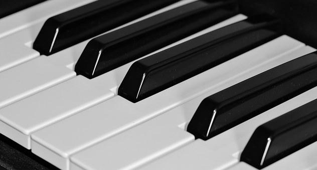 """Koncert """"Przy białym fortepianie"""""""