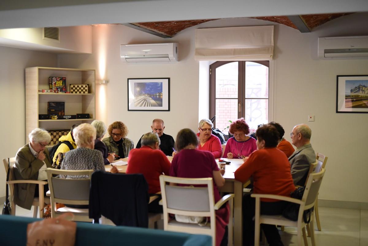 NIK o rządowych programach aktywizacji społecznej osób starszych