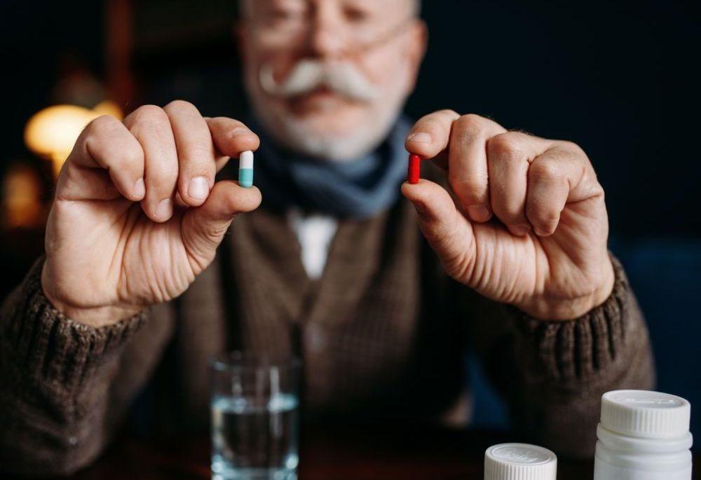 Czy przyjmowanie kilku leków jednocześnie jest bezpieczne?