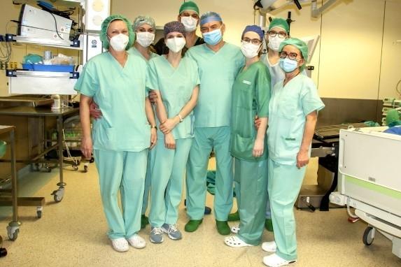 Pionierska w Polsce minimalnie inwazyjna operacja resekcji guzów nowotworowych wątroby